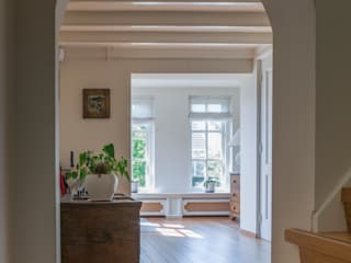 鄉村風格的走廊,走廊和樓梯 根據 Foto Buro Brabant 田園風