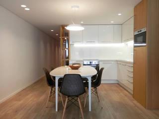 AM Flat Salas de jantar modernas por EMF arquitetura Moderno