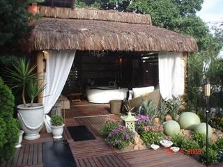 Rustieke balkons, veranda's en terrassen van Cristiane Locatelli Arquitetos & Associados Rustiek & Brocante