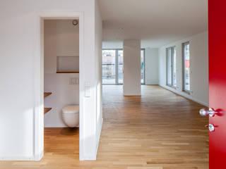 Gerokstraße:  Flur & Diele von MuG Architekten