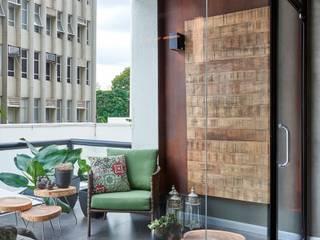 Lider Interiores Modern balcony, veranda & terrace