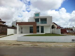 Fachada: Casas  por Escritório de arquitetura Rubens Duarte Arquiteto