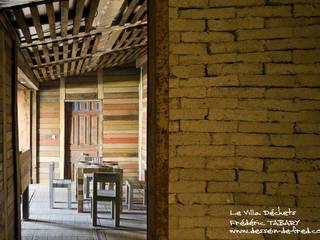 Villa Dechets Frédéric TABARY Salle à manger originale Métal Multicolore