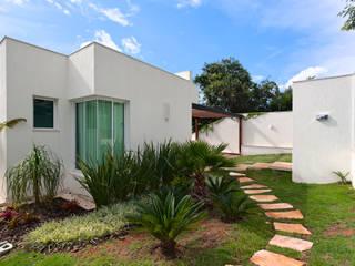 Casas de estilo moderno por Lucas Lage Arquitetura