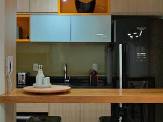 minimalistische Küche von Lucas Lage Arquitetura