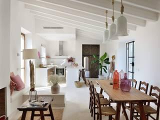 HOTEL CAL REIET – GUEST HOUSES Salas de estar mediterrânicas por Bloomint design Mediterrânico