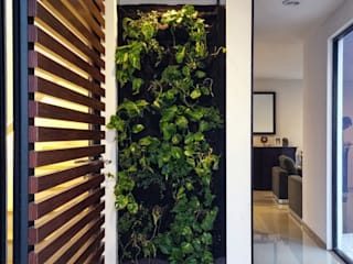 Región 4 Arquitectura Ingresso, Corridoio & Scale in stile minimalista