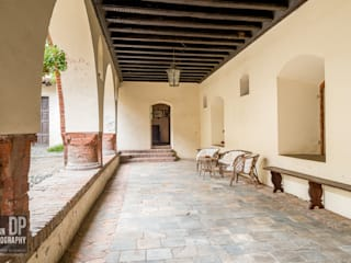Castello Balcone, Veranda & Terrazza in stile rurale di Design Photography Rurale