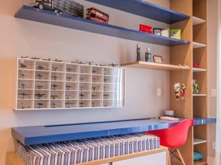 Casa Swiss: Quarto infantil  por Juliana Stefanelli Arquitetura e Design,Moderno