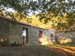 Turismo Rural em Paredes de Coura : Jardins  por Escritorio de arquitetos,Moderno