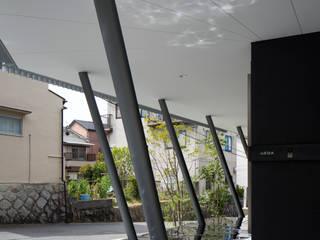 現代房屋設計點子、靈感 & 圖片 根據 井上久実設計室 現代風