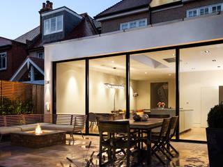 Ashley Road Balcones y terrazas modernos: Ideas, imágenes y decoración de Concept Eight Architects Moderno