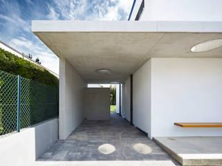 Garage / Hangar modernes par Marcus Hofbauer Architekt Moderne