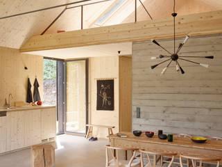 Comedores de estilo moderno de Backraum Architektur Moderno