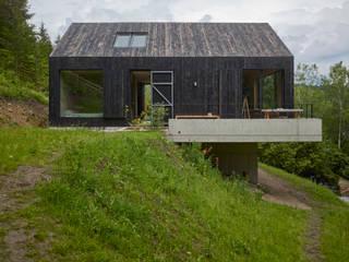 Nowoczesne domy od Backraum Architektur Nowoczesny Drewno O efekcie drewna