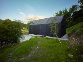 Casas estilo moderno: ideas, arquitectura e imágenes de Backraum Architektur Moderno Madera Acabado en madera
