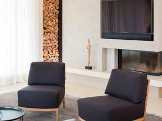 Wohnhaus München: moderne Wohnzimmer von GABRIELA RAIBLE® INNENARCHITEKTUR