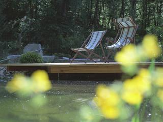 Piscinas de estilo moderno de Kräftner Landschaftsarchitektur Moderno