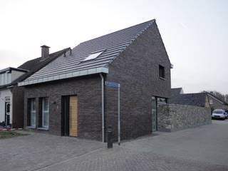 Modern houses by martyvandeven bureau voor architectuur en techniek Modern