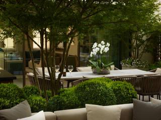 A London Roof Garden Balkon, Beranda & Teras Modern Oleh Bowles & Wyer Modern