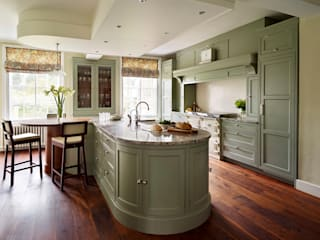 Fallowfield | Traditional English Country Kitchen Davonport Cocinas de estilo clásico Madera Verde