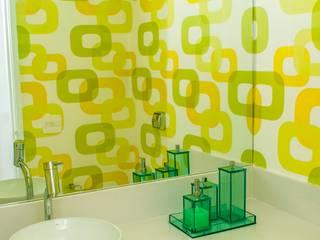 LAVABO MODERNO: Banheiros  por AVNER POSNER INTERIORES