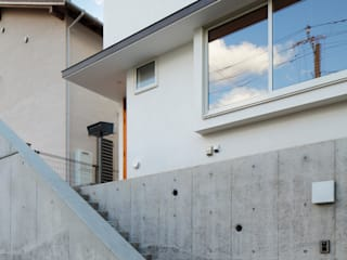 寺尾台の家 モダンスタイルの 玄関&廊下&階段 の 向山建築設計事務所 モダン