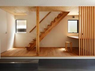 玉縄台の家 モダンスタイルの 玄関&廊下&階段 の 向山建築設計事務所 モダン