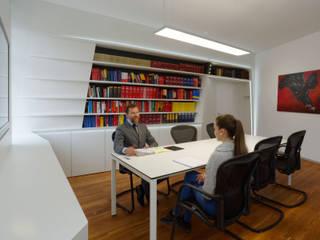 Law Experts:  Arbeitszimmer von Architekt & Designer Josef Glas - glas.cc