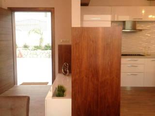 por cyprus interiors Moderno