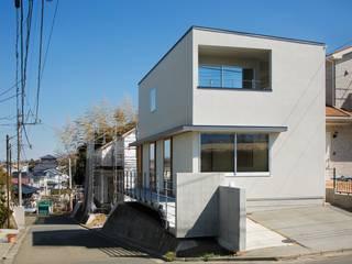 初声町の家: 向山建築設計事務所が手掛けた家です。,モダン