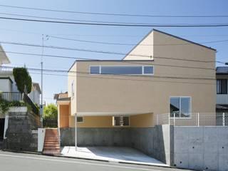 片瀬山の家Ⅱ: 向山建築設計事務所が手掛けた家です。,モダン