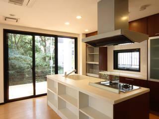 2階キッチン: K2・PLAN 株式会社本多建築設計事務所が手掛けたキッチンです。