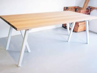 Stół z dębowym blatem Blaise: styl , w kategorii  zaprojektowany przez Blaise Handmade Furniture