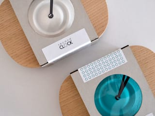 Packaging Second Clock:   por Suricata Design Studio