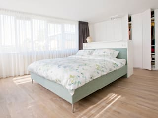 Egbert Duijn architect+ Modern style bedroom