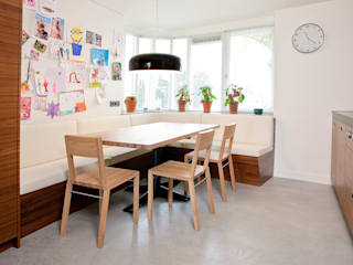 Modern dining room by Egbert Duijn architect+ Modern