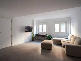 Minimalist living room by negrosobreazul Minimalist