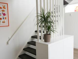 trap Moderne gangen, hallen & trappenhuizen van Egbert Duijn architect+ Modern