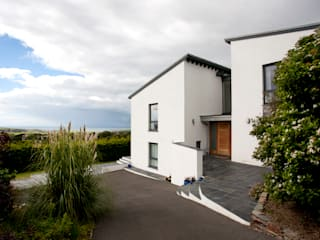 Trevanion, Bude, Cornwall The Bazeley Partnership Casas estilo moderno: ideas, arquitectura e imágenes Blanco