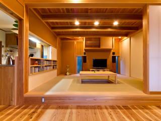 asian Living room by shu建築設計事務所