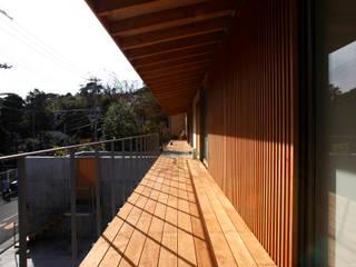 Terrazas de estilo  por 株式会社コヤマアトリエ一級建築士事務所