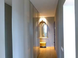 CASA L Ingresso, Corridoio & Scale in stile moderno di silvia piccioni architetto Moderno