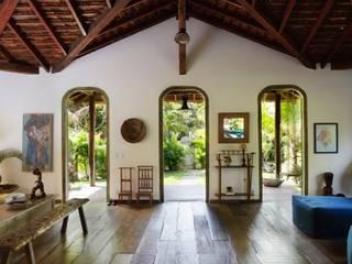 Wohnzimmer von Vida de Vila, Rustikal Massivholz Mehrfarbig