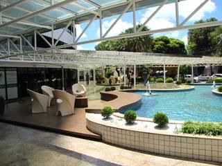 Paisaigismo para Exterior de Edifício Comercial em Fortaleza.: Espaços comerciais  por 4R Arquitetura