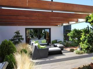 Terrasse de style  par Riscos & Atitudes, Lda, Moderne