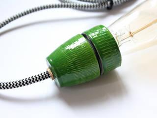 Lampe A07 Grün:  Esszimmer von VLO design