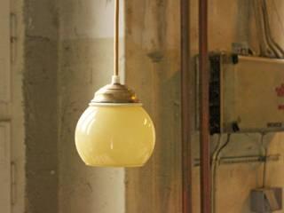LAMPE T01 TEE:  Wohnzimmer von VLO design