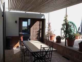 Comedor exterior de La Carrasca:  de estilo  de CYL estudio