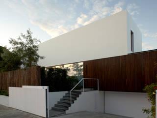 Modern home by Marcelo Ranzini - Arquitectura Modern
